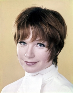 can tu 05 Shirley MacLaine